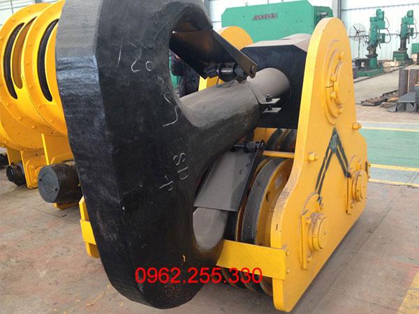móc cẩu 100 tấn 2