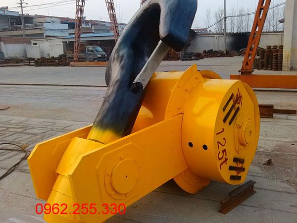 móc cẩu 125 tấn