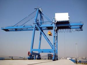 cầu trục container xếp dỡ hàng