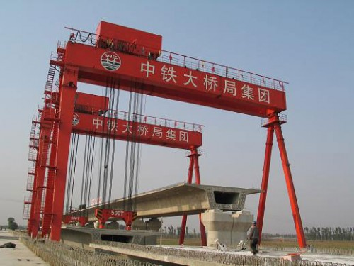 cầu trục bánh lốp 500 tấn