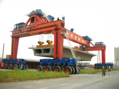 cầu trục bánh lốp đường bộ 700 tấn