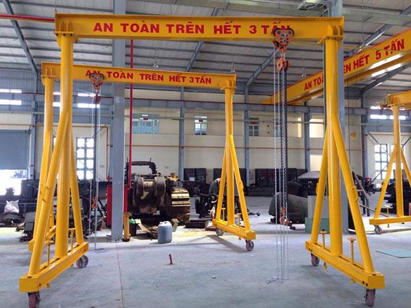 Cổng trục đẩy tay 3 tấn