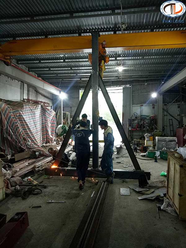 cổng trục đẩy tay 2 tấn 2