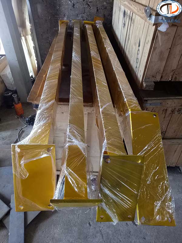 cổng trục đẩy tay 2 tấn 4