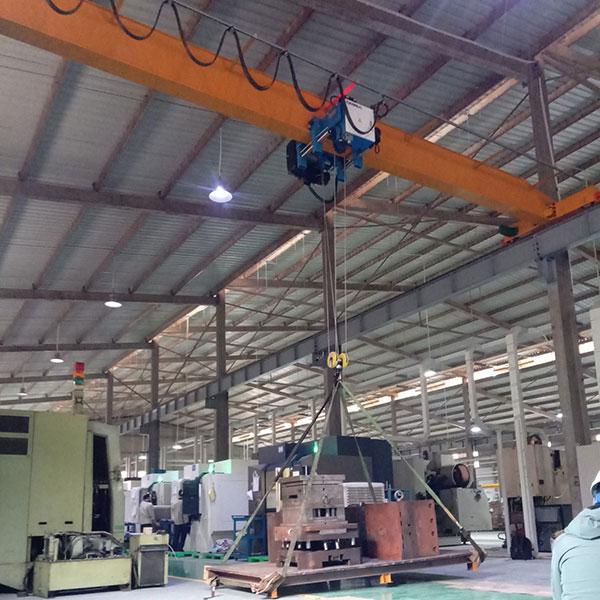 cầu trục 5 tấn ở KCN Phú Nghĩa