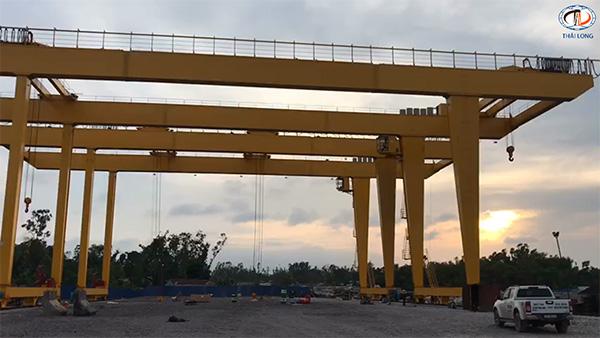cổng trục 50 tấn khẩu độ 40m
